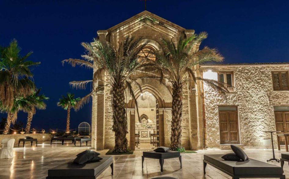 Castello Ducale Colonna Chiesa privata