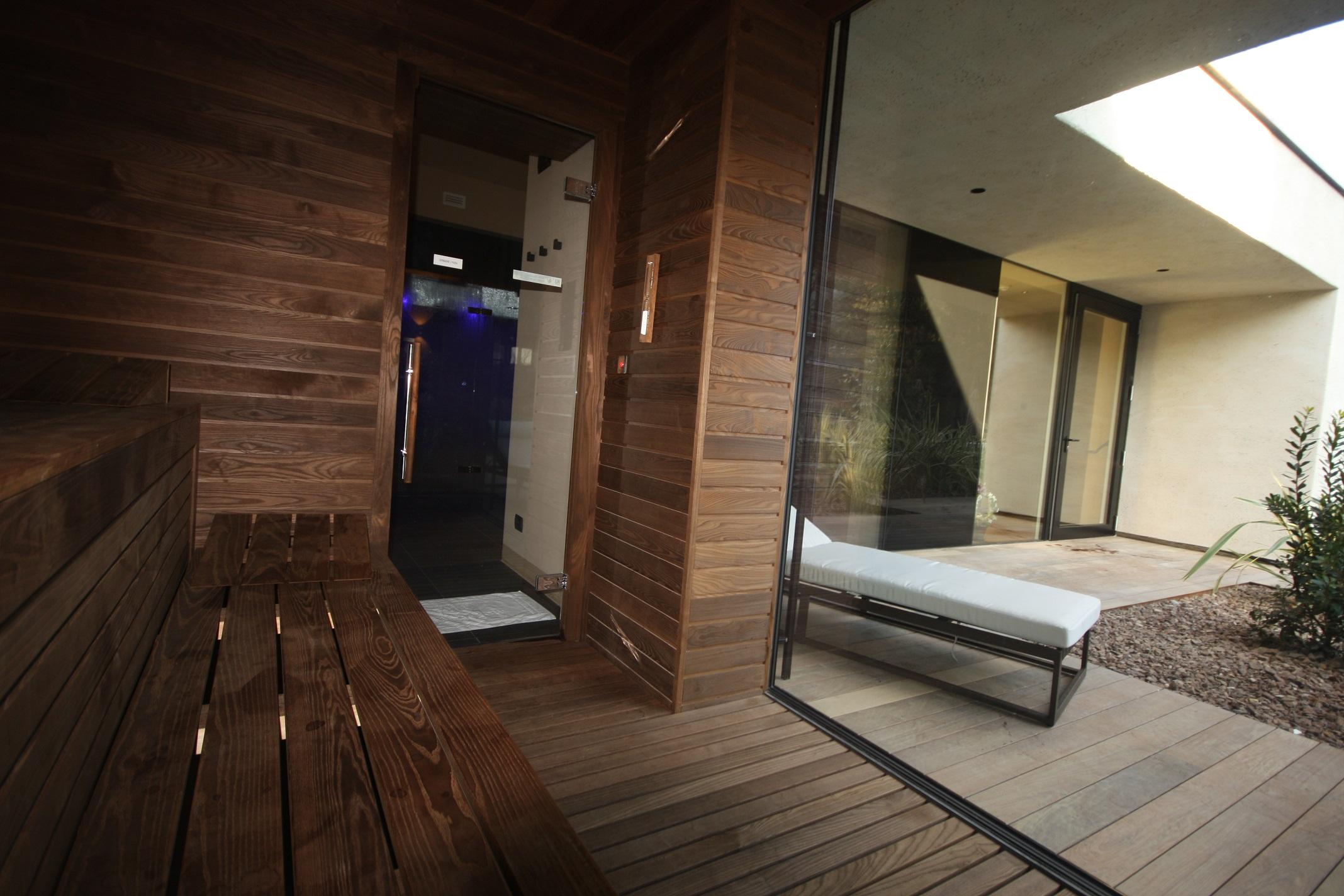 Sauna Finlandese con Vetrata