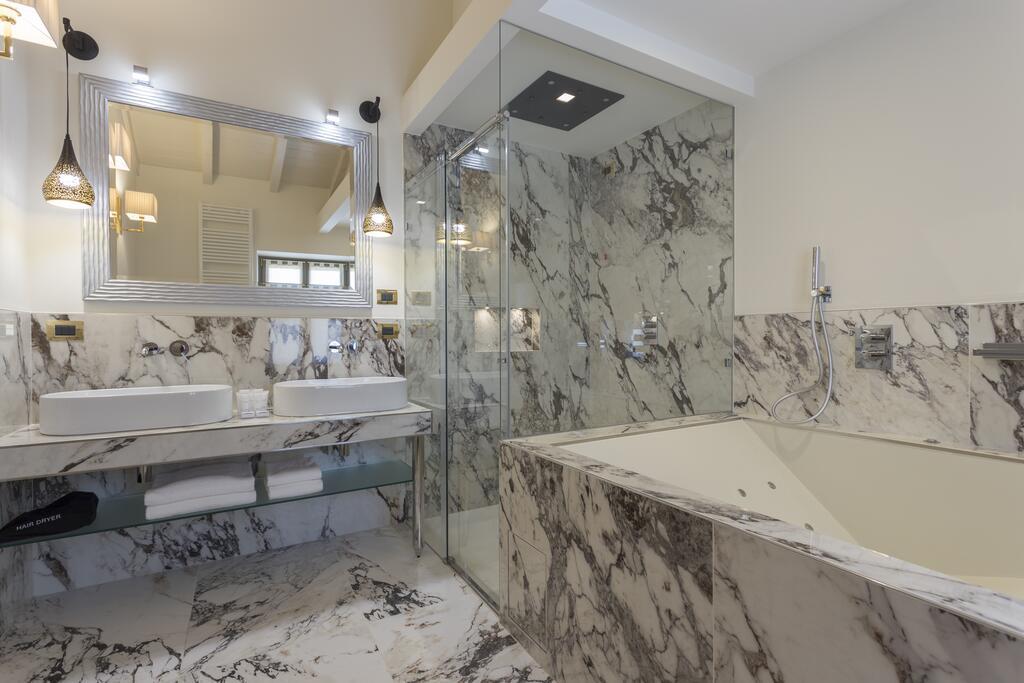 Doccia e Vasca idromassaggio Suite Villa Zoppi