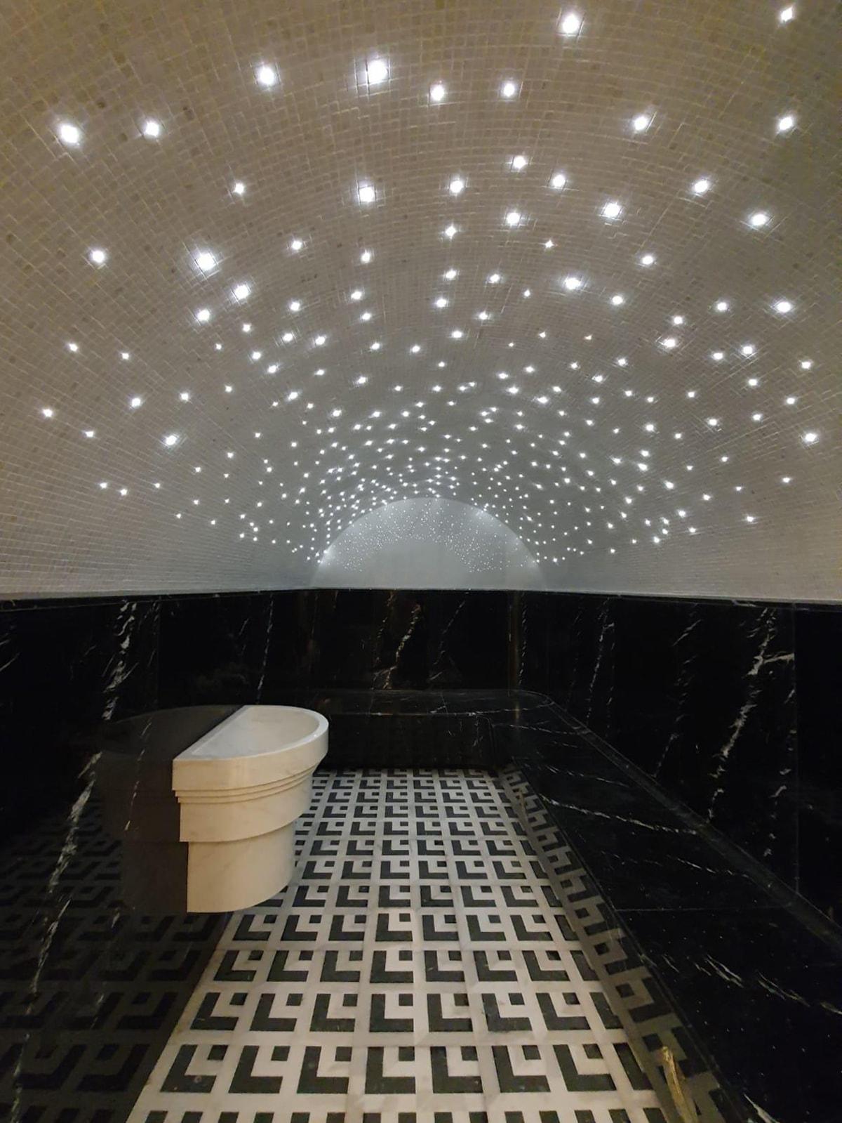 Hammam marmo cielo stellato fibre ottiche Carre Or Montecarlo