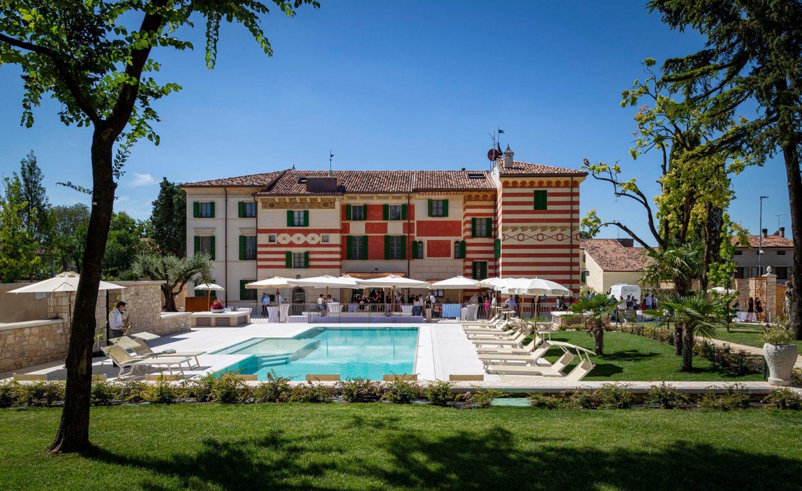 Villa Zoppi piscina retro
